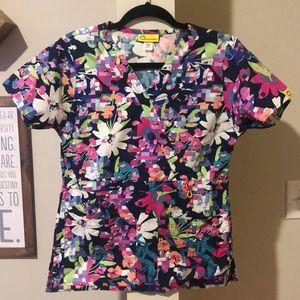 Like new printed floral Wonderwink scrub top